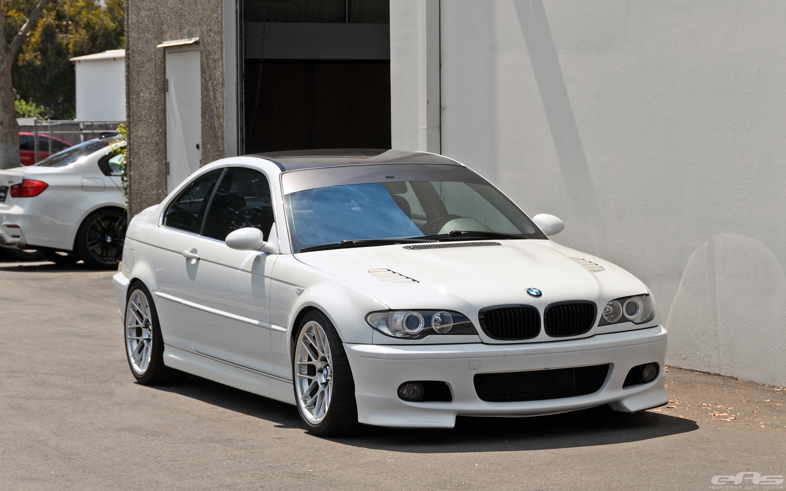 Alpine-White-BMW-E46-330Ci-Tuning-Build-11